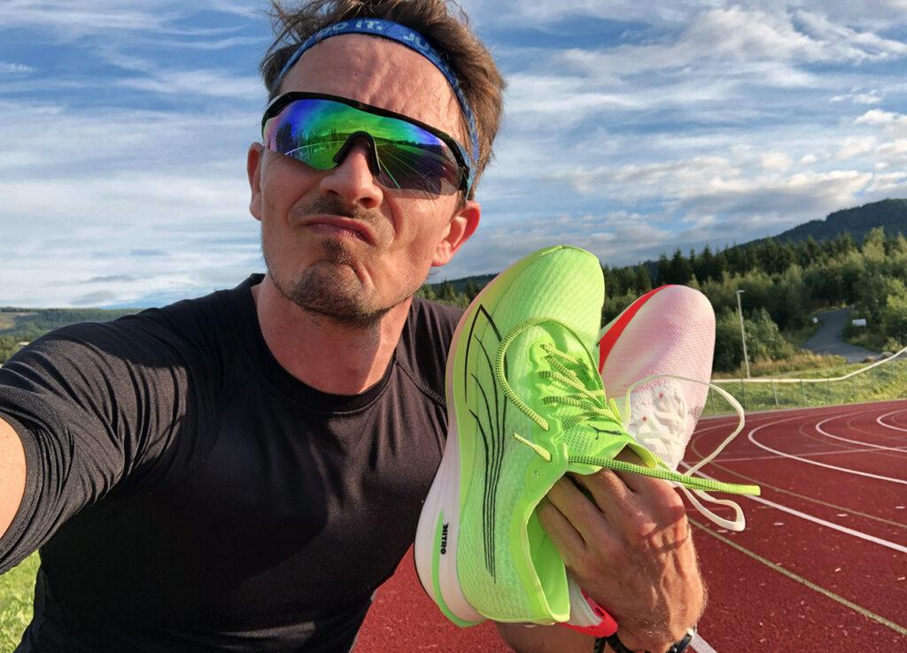 Puma Deviate Nitro og Nike Zoom Tempo Next%